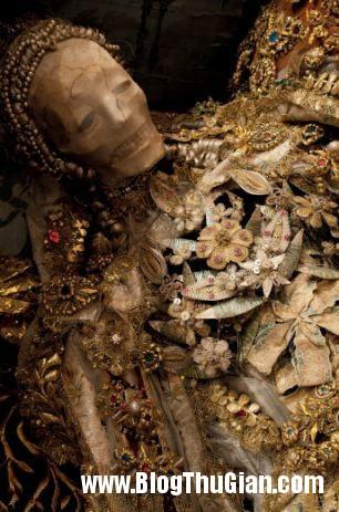 cac bo hai cot nam vang da quy 400 nam tuoi1 Những bộ hài cốt nạp vàng và đá quý 400 năm trước