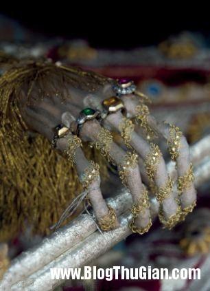 cac bo hai cot nam vang da quy 400 nam tuoi2 Những bộ hài cốt nạp vàng và đá quý 400 năm trước