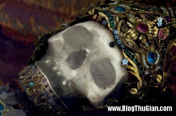 cac bo hai cot nam vang da quy 400 nam tuoi4 Những bộ hài cốt nạp vàng và đá quý 400 năm trước