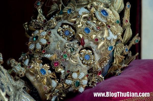 cac bo hai cot nam vang da quy 400 nam tuoi6 Những bộ hài cốt nạp vàng và đá quý 400 năm trước