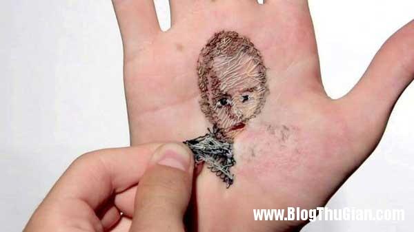 chandung 2 Thêu ảnh chân dung vào lòng bàn tay để thể hiện tình yêu.