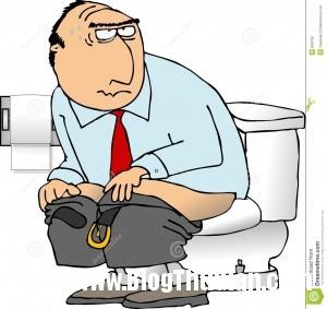 man sitting toilet 858799 300x283 Suýt chết vì nhét bí đao vào hậu môn