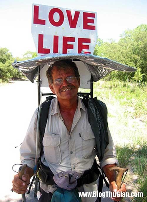 1394262630 fugate1a3 Người đàn ông đi bộ hơn 55.000km trong 10 năm.