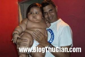 140320 2be 19790 300x200 Bé trai mới 8 tháng với cân nặng lên tới 19,5kg,