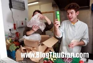 1397273014 article 2598755 1ce6803e00000578 256 634x427 300x202 Kinh doanh các món ăn được làm từ... rác