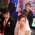 Tập thể người yêu cũ cô dâu hát tặng đám cưới