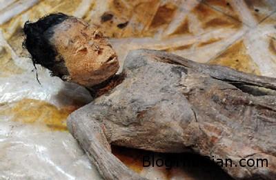 1402883488 1402716374 xac uop 9  Phát hiện xác ướp thiếu nữ trên 600 tuổi vẫn còn nguyên vẹn