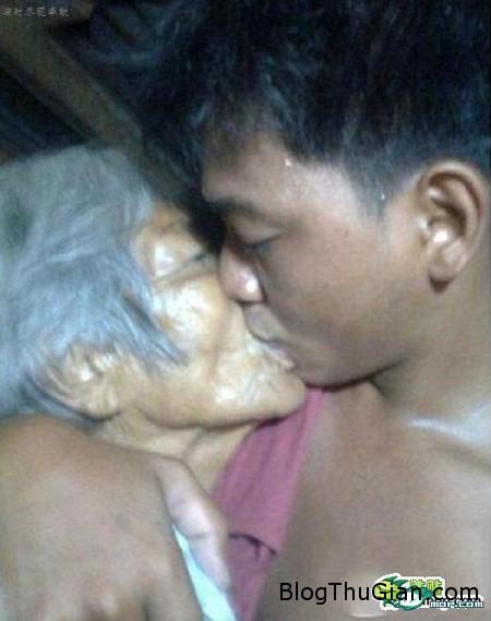 140624 3ty 58157 Chuyện tình lãng mạng giữa bà lão 80 và chàng phi công 23 tuổi