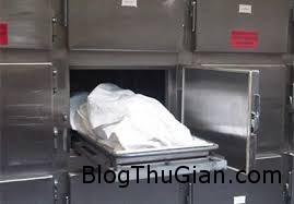 phat hien cu ba 70 tuoi con song trong tu uop xac Phát hiện cụ bà 70 tuổi còn sống trong tủ lạnh ướp xác chết