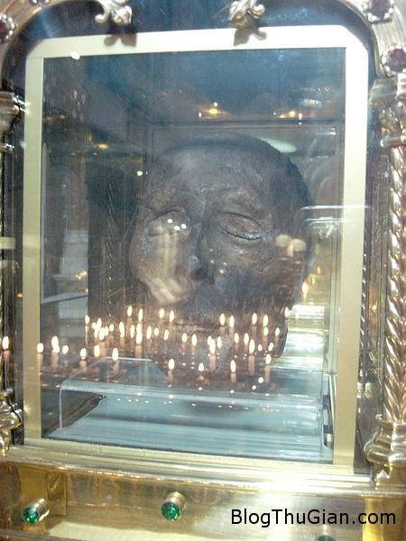 140426 1thanh 26de9 Bí ẩn chiếc đầu của Thánh Oliver Plunkett lơ lửng giữa không trung