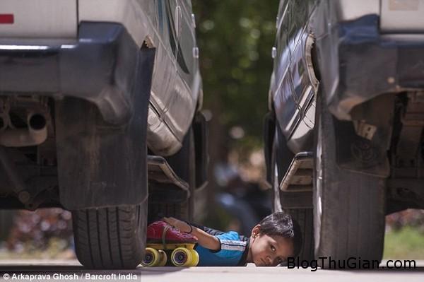 140724 2kyluc 26c62 Cậu bé 6 tuổi phá kỷ lục thế giới khi vừa uốn dẻo vừa trượt pa   tanh
