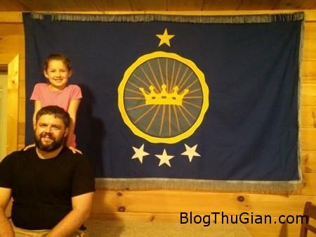 Dad kingdom 2 bef481 Mua cả vùng đất lập quốc gia riêng để thực hiện ước mơ làm công chúa của con gái