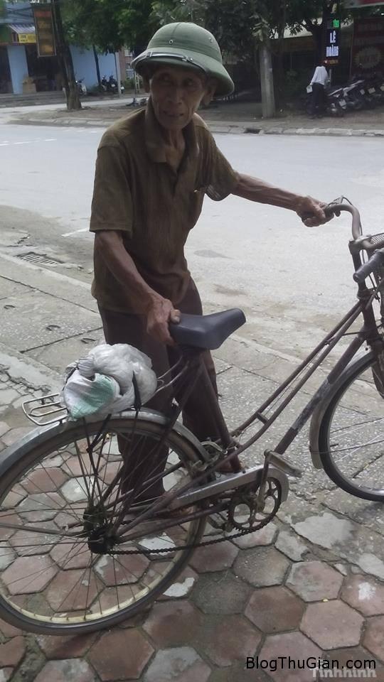 cu ong 84 tuoi dap xe 220km de bao hanh dien thoai Cụ ông 84 tuổi vượt hơn 200km để bảo hành điện thoại 200k