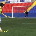 Luyện tập như thế này bảo sao thủ môn Costa Rica không bá