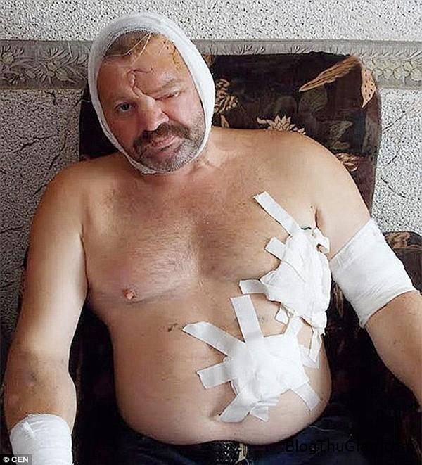 1407233315876 wps 3 Pic shows Russian fisherm 5923b Thoát chết ngoạn mục nhờ tiếng nhạc chuông của Justin Bieber