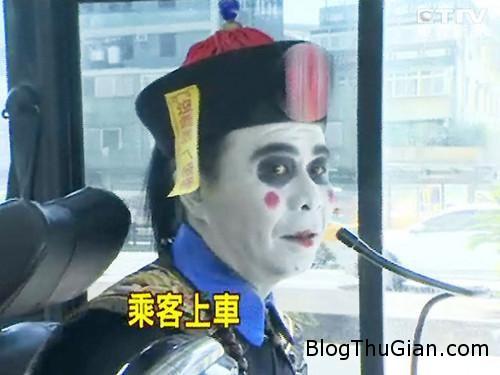 140731 1xe 07d2c Giật mình vì cương thi lái xe bus ở Đài Loan