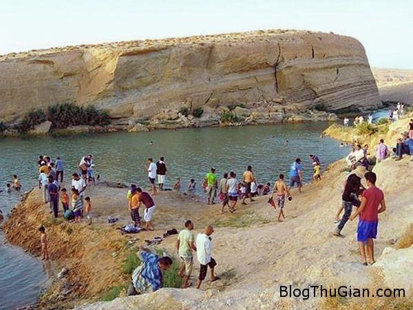 140801 2ho abd62 Kỳ diệu hồ nước lớn xuất hiện bất ngờ giữa vùng đất khô cằn