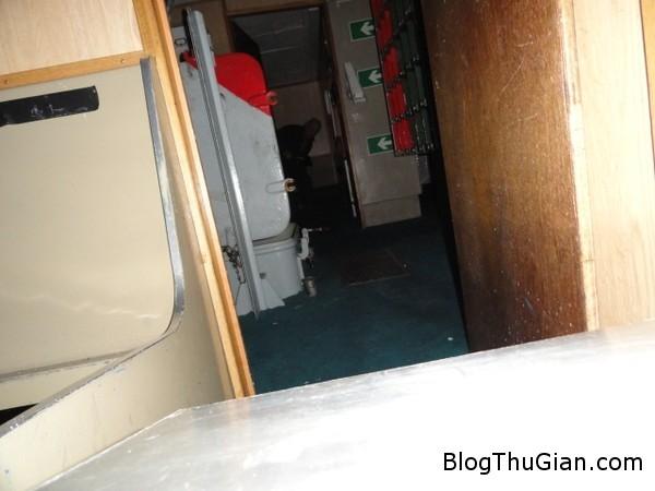 140804 2tau e79271 Rùng rợn bóng ma kì bí xuất hiện trên boong tàu