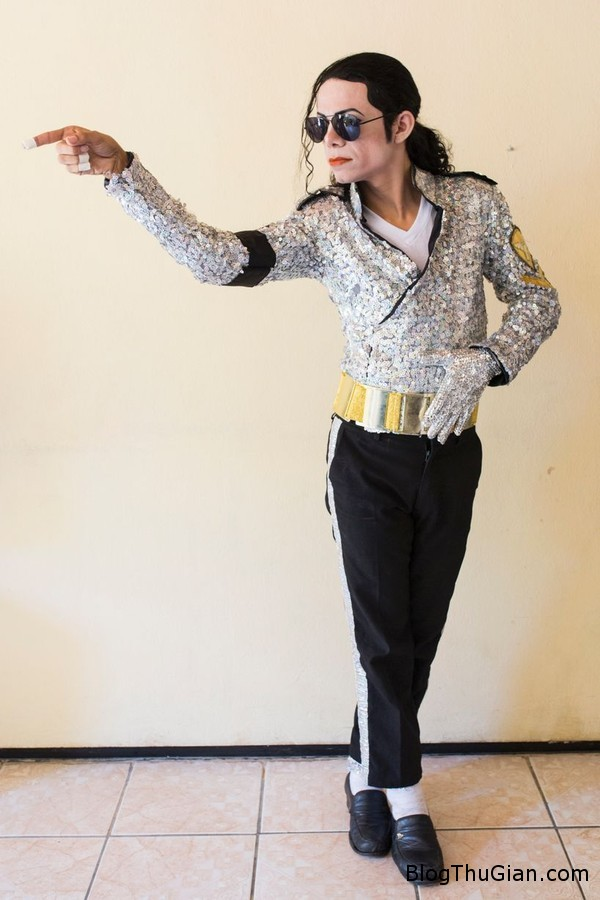 140807 4mi 4f255 Tự tiêm axit vào mặt để giống thần tượng Michael Jackson