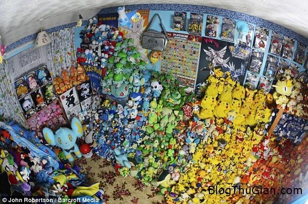 1408614999803 wps 2 EXCLUSIVE WELWYN GARDEN C bcf44 Bộ siêu tập Pokemon khổng lồ của cô gái trẻ 26 tuổi
