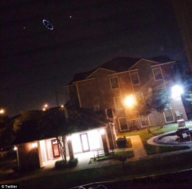 63bbe2vongtronanhsangbianxuath Xuất hiện vòng tròn sáng kỳ lạ trên bầu trời Mỹ