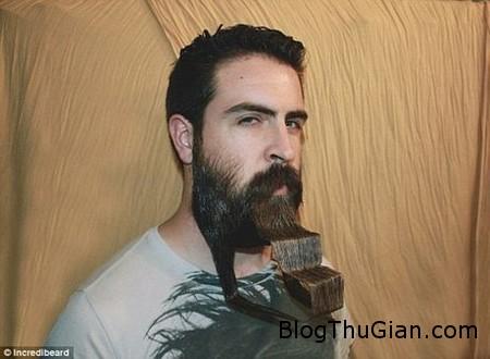 Incridible beard 4 c45a7 Độc đáo người đàn ông dùng râu làm tô đựng mì