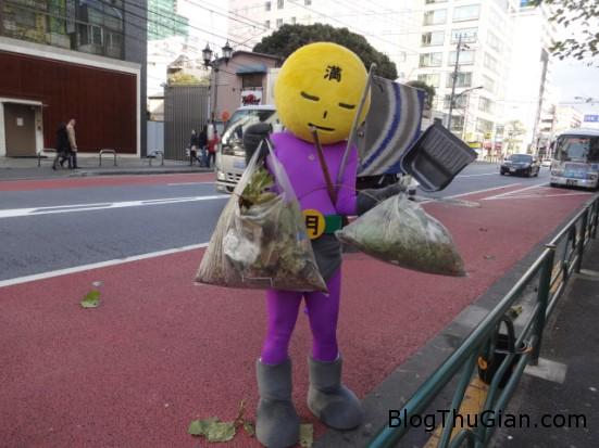 140904 3quet 25e02 Xuất hiện siêu nhân làm sạch đường phố ở Nhật