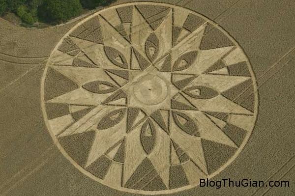 140922 2vong ca236 Bất ngờ xuất hiện vòng tròn xoắn ốc trên một khu vực Điện Balsall