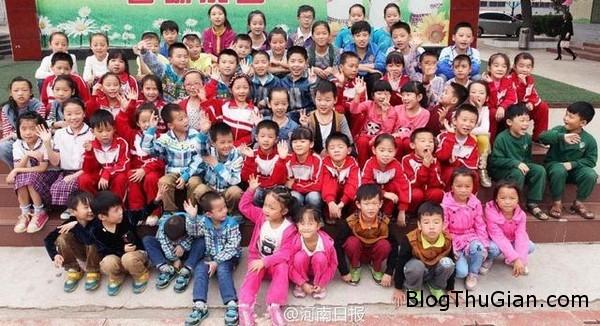 140926 1truong 709f3 Ngôi trường đặc biệt có tới 32 cặp song sinh theo học