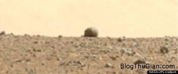 140928 2saohoa af9fb Vật thể tròn bí ẩn xuất hiện trên bề mặt của hành tinh đỏ.