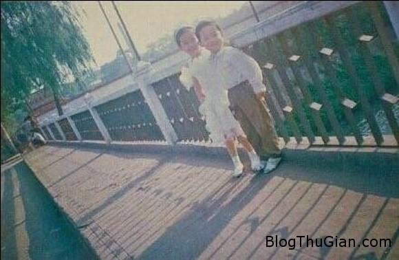 be 6 tuoi tu hua hon va thuc hien loi hua 18 nam sau Ngưỡng mộ mối tình 18 năm của cặp đôi mới 24t