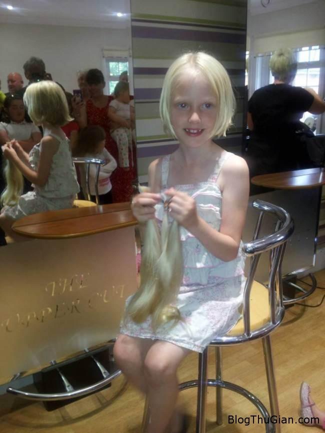 cong chua toc dai hy sinh 60cm toc de ung ho benh nhan ung thu  Công chúa tóc dài  đời thực hy mái tóc mình vì bệnh nhân ung thư
