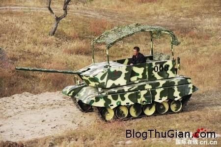 Home made tank 1 dfdc8 Người nông dân tự chế xe tăng để lái trong sân vườn