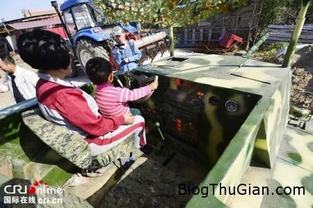 Home made tank 2 dfdc8 Người nông dân tự chế xe tăng để lái trong sân vườn