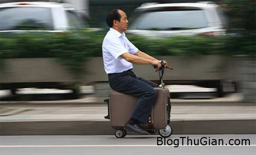 china suitcase scooter AFP 650 4674 1402283387 Chế tạo xe từ chiếc vali