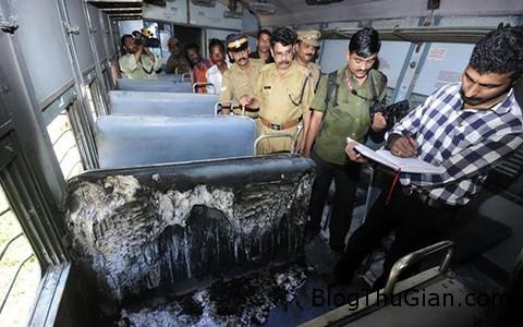 mot phu nu bi thieu song tu vong khi ngoi tren tau hoa Người phụ nữ bất ngờ bị bóc cháy trên tàu hỏa