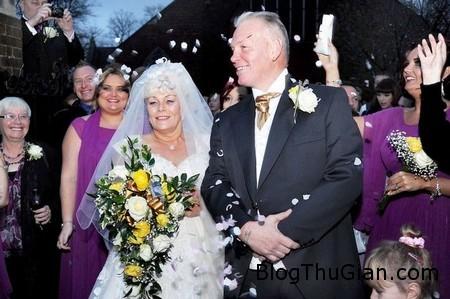 Big wedding 1 08a561 Đám cưới có tới 44 phụ dâu