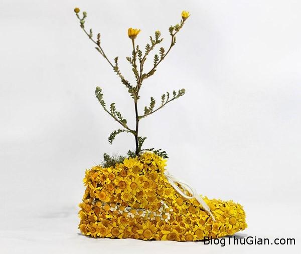 chiec giay doc nhat vo nhi lam tu vo cay.12jpg Nghệ sỹ chuyên chế tác giày từ nhiên liệu tự nhiên