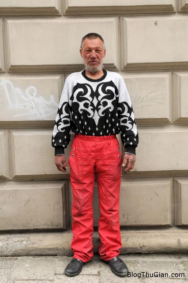 ong lao an may co gu thoi trang sanh dieu nhat the gioi1 Người đàn ông ăn xin có gu thời trang nhất thế giới