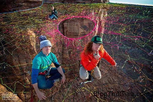 1417795584 mang nhen 120m 31 Tròn mắt với mạng nhện khổng lồ chênh vênh ở độ cao 120m