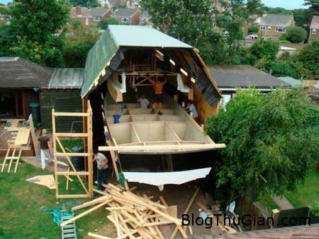 tau2 151214 0aa2a1 Đóng thuyền từ gỗ thừa sau sân vườn