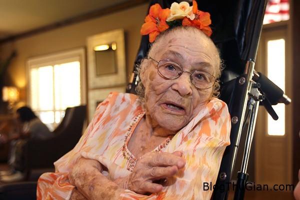 bi quyet truong tho cua 5 cu ba sinh vao the ky thu 191 Bí quyết sống lâu của 5 cụ bà lớn tuổi nhất thế giới hiện nay