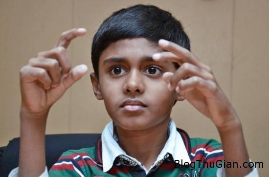 mental abacus2 550x363 ec4211 Máy tính ảo giúp trẻ 11 tuổi có thể nhân một dãy số có 10 chữ số