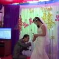 Có cô dâu nào hạnh phúc được như cô ấy