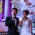 Thật không thể tin nổi,chú rể lại hát bài mà người yêu cũ của cô dâu hay hát, làm cô dâu khóc quá trời