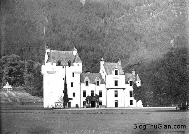 082427 7 Những lâu đài ma rùng rợn nhất thế giới