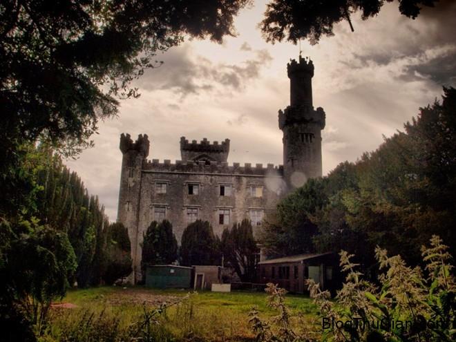 082456 8 Những lâu đài ma rùng rợn nhất thế giới