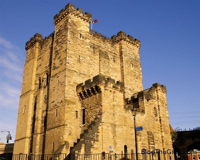 082541 10 Những lâu đài ma rùng rợn nhất thế giới