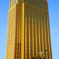 1439727032-1439717106-goldenbuilding-1