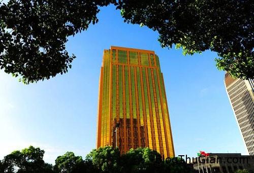 1439727032 1439717106 goldenbuilding 3 Lóa mắt với tòa nhà màu vàng chói lọi